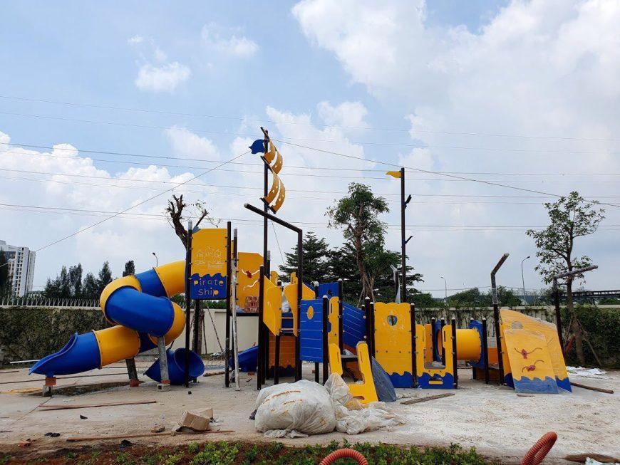 Tiến độ xây dựng dự án nhà phố Verosa Park Quận 9 chủ đầu tư Khang Điền. Khu vui chơi trẻ em tại công viên