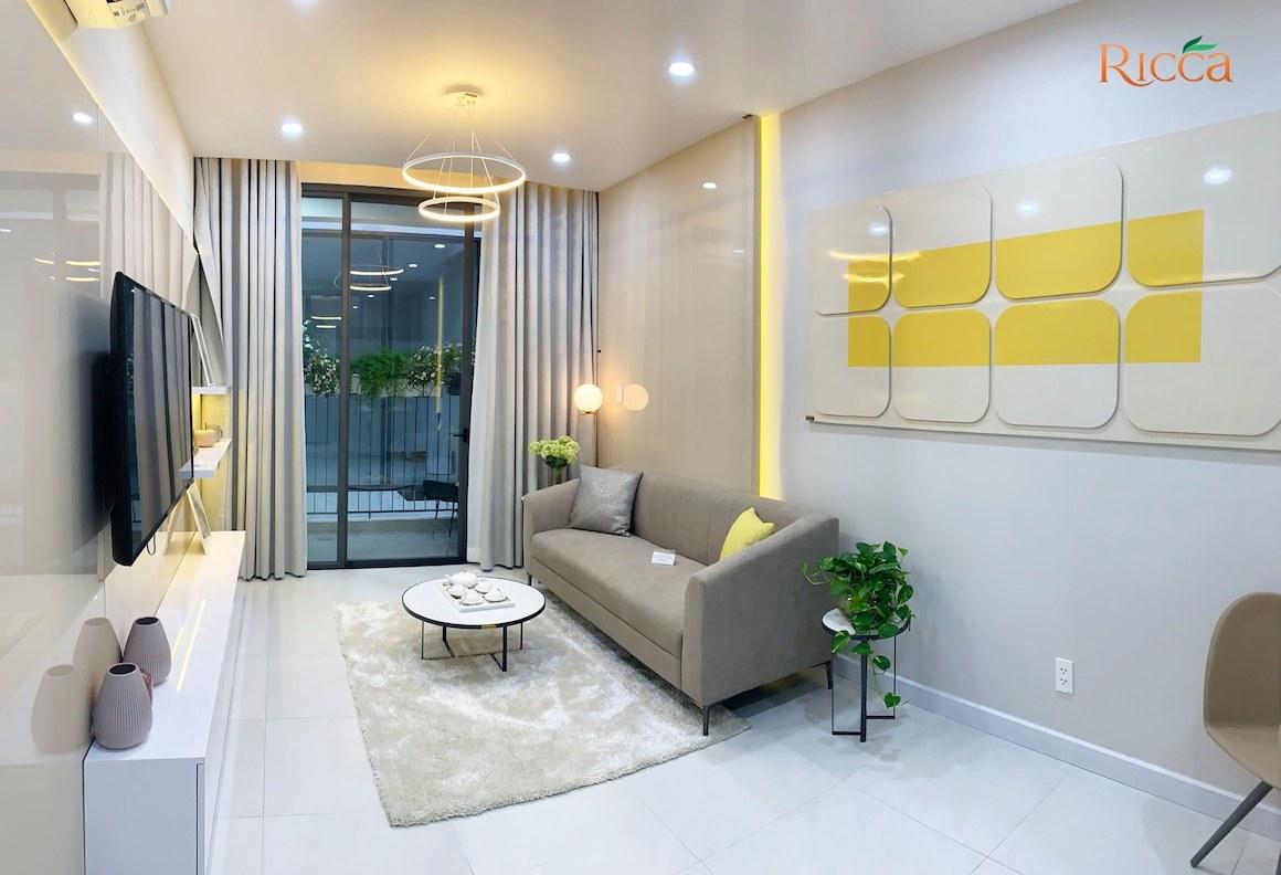 Phòng khách nhà mẫu căn hộ Ricca Quận 9