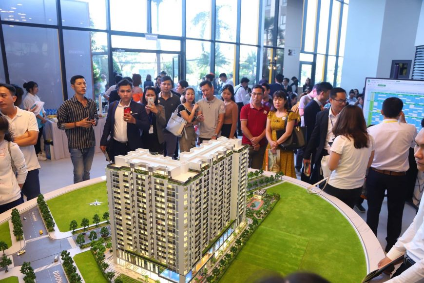Hình ảnh Khai trương nhà mẫu dự án căn hộ Ricca Quận 9 thu hút rất nhiều khách hàng tới tham quan