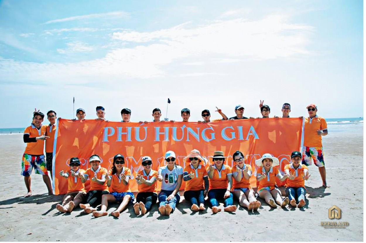 Đội ngũ nhân viên nhiệt huyết, năng động của Tập đoàn Phú Hưng Gia