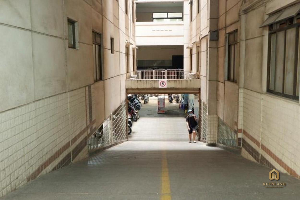Hầm để xe tại chung cư B5