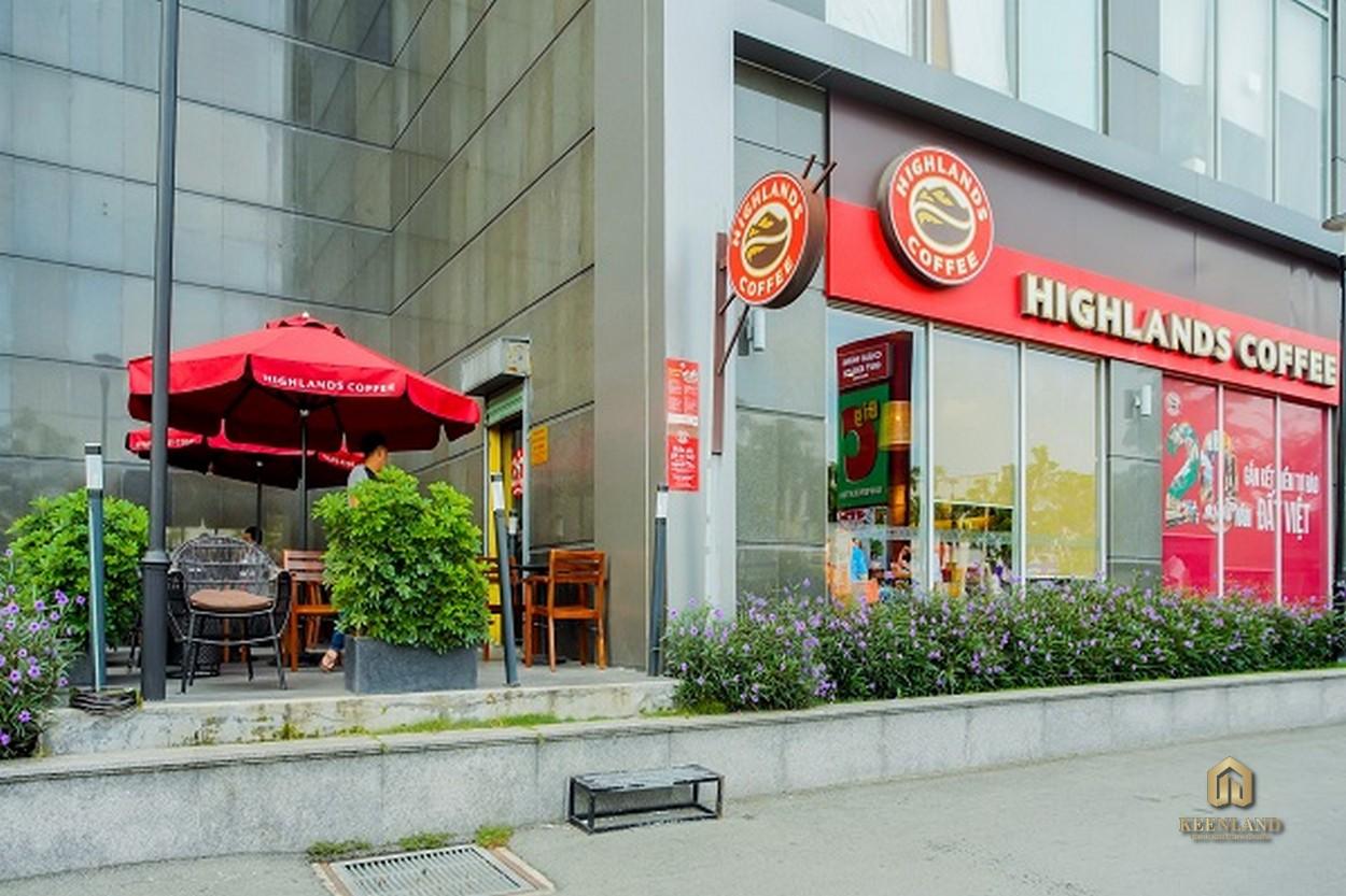 Highland Coffee tại tầng trệt dự án căn hộ Cosmo City 2 Quận 7