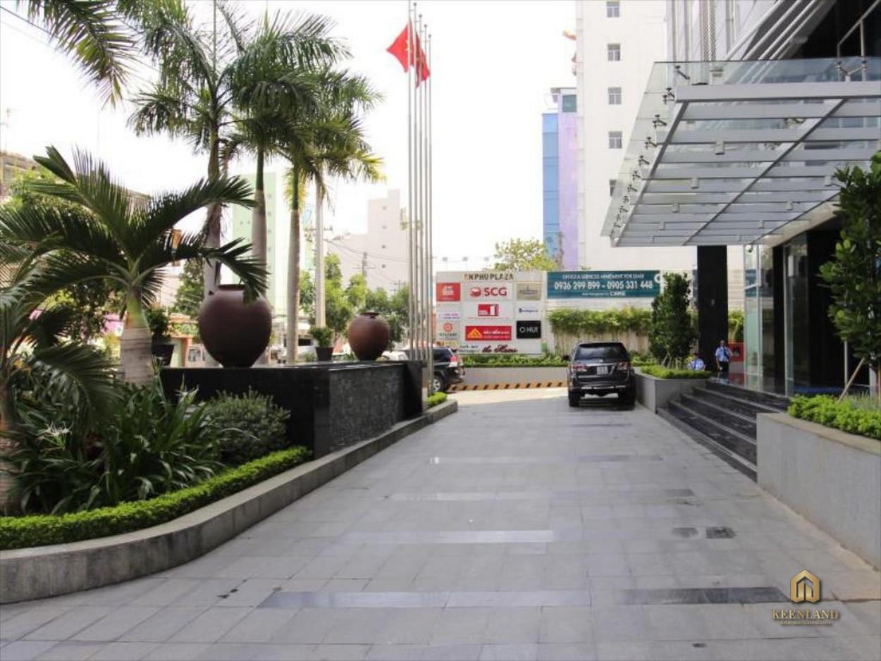 Khuôn viên phía trước tòa nhà An Phú Plaza