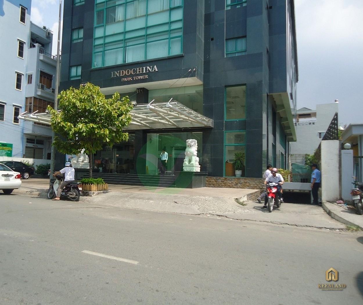 Đường nội bộ trước tòa nhà Indochina Park Tower