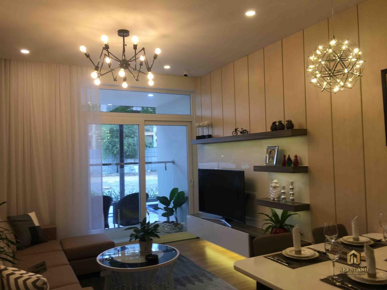 Phòng khách căn hộ The Western Capital Quận