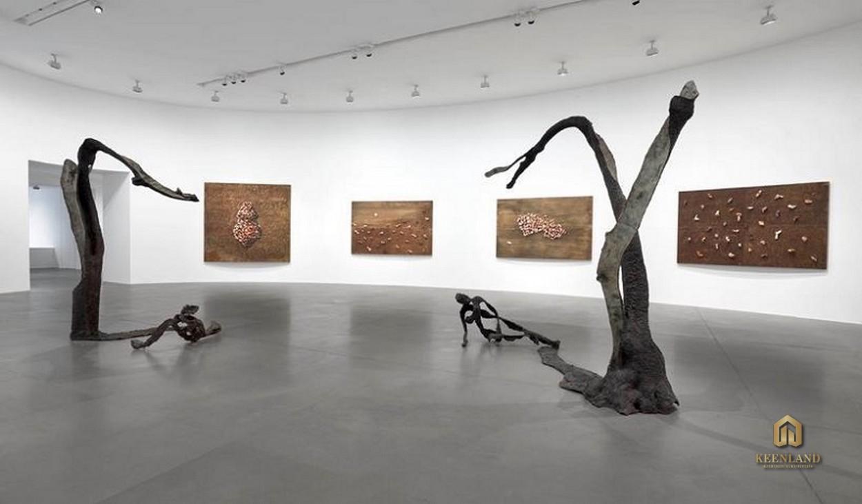 Phòng triển lãm tranh tại Grand Central Quận 3