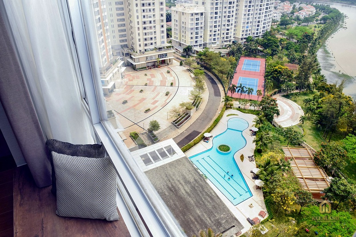 Tầm nhìn ra tiện ích nội khu từ căn hộ Riverside Residence Quận 7