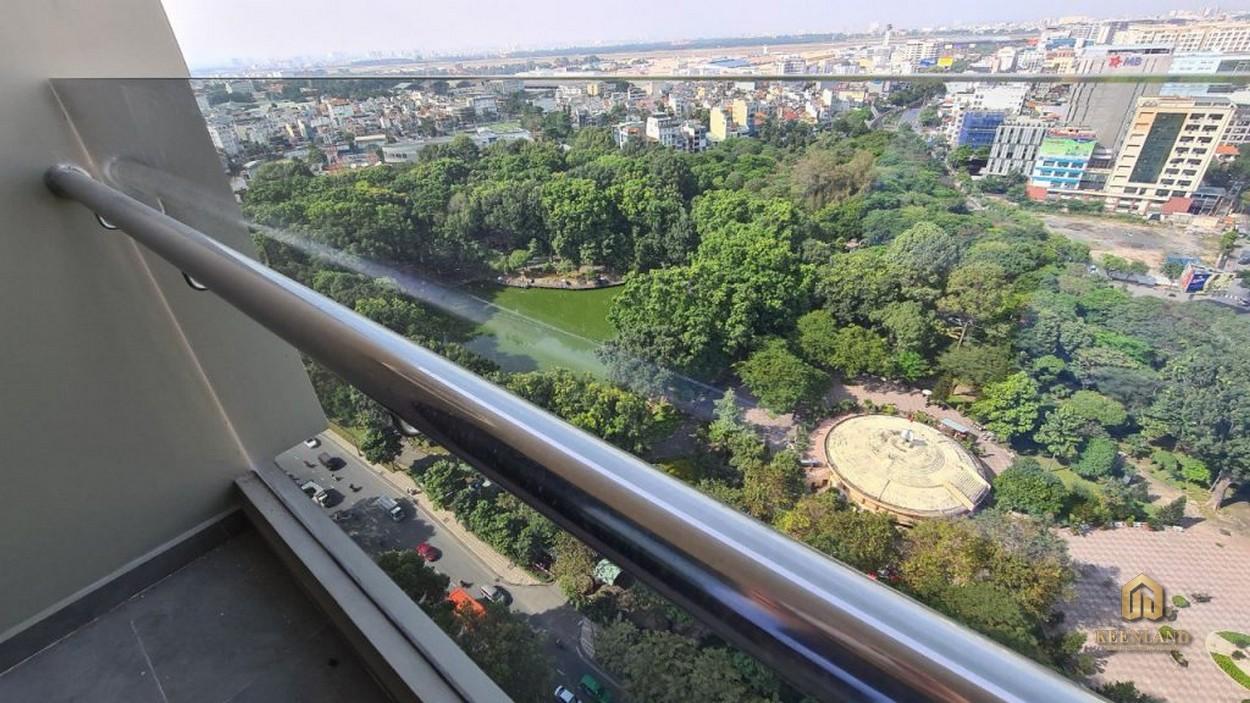 View công viên Hoàng Văn Thụ từ căn hộ Park Legend