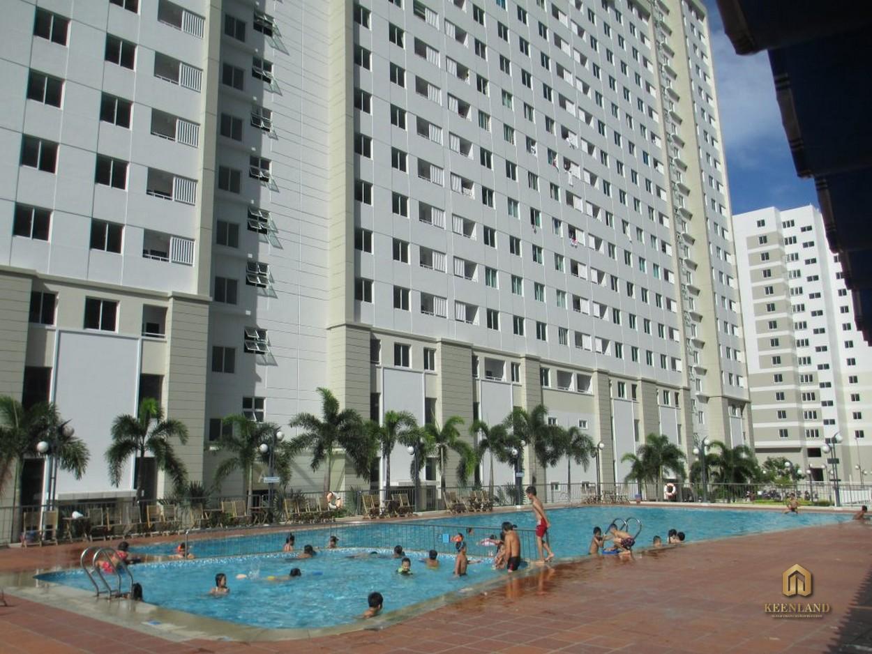 Hình ảnh thực tế hồ bơi tại Belleza Apartment
