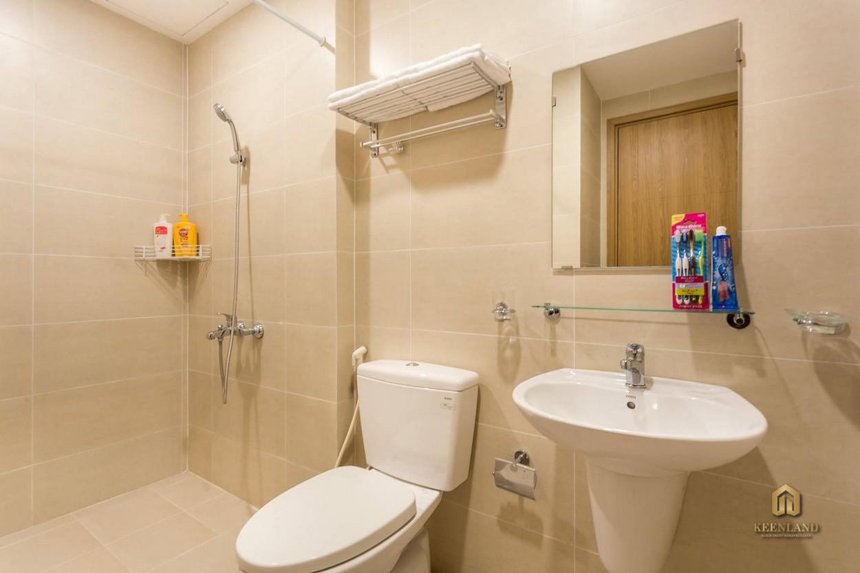 Phòng WC căn hộ Charmington La Pointe