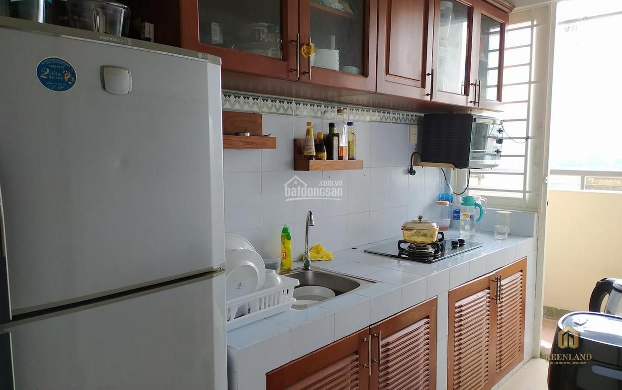 Gian bếp tại căn hộ Phú Thọ