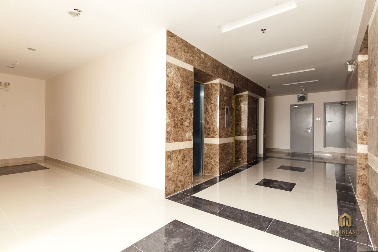Hình ảnh thực tế sảnh thang máy căn hộ Him Lam Riverside