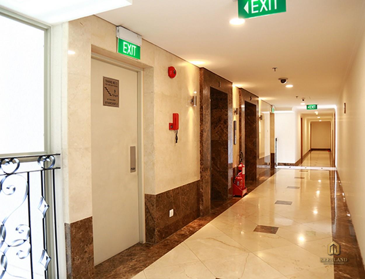 Sảnh thang máy tại Saigon Pavillon