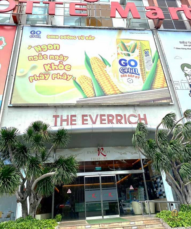 Siêu thị Lotte Mart trước The EverRich 1